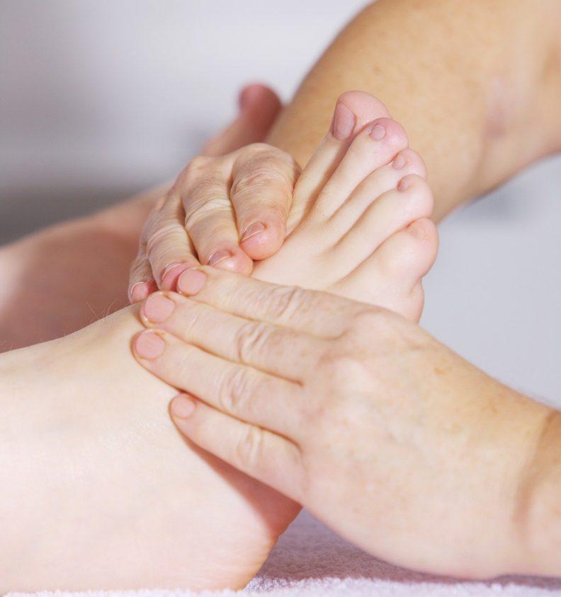 foot-massage-2133279_1920